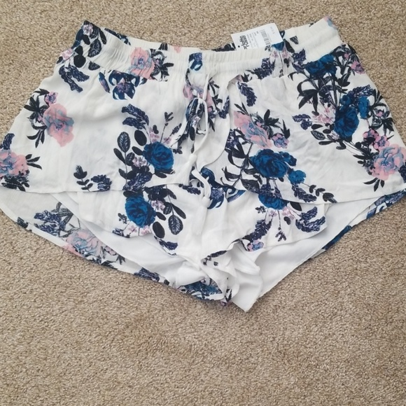 Charlotte Russe Pants - Shorts for summer